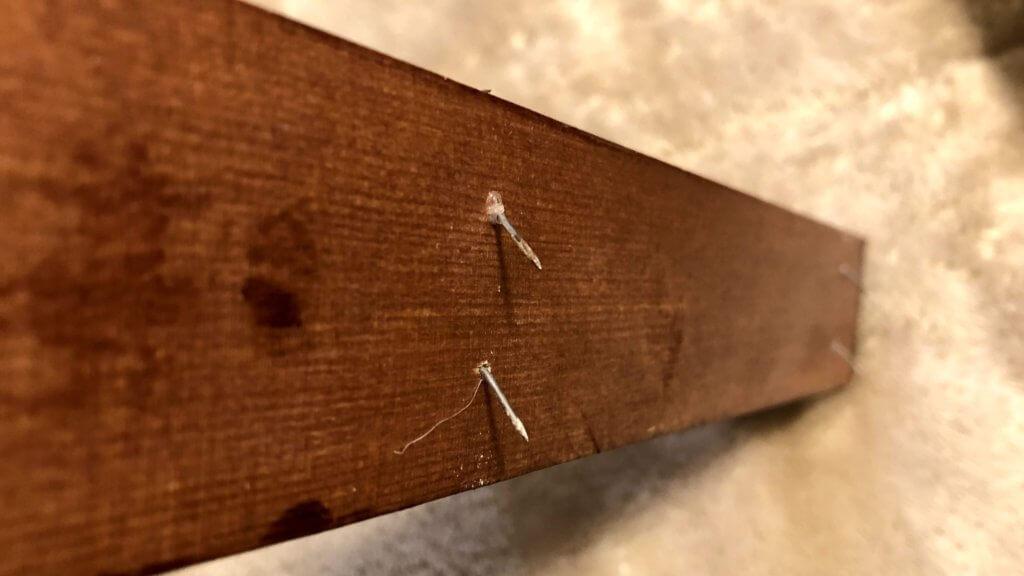 石膏ボードに釘を打ち込む場合に取れにくくする工夫