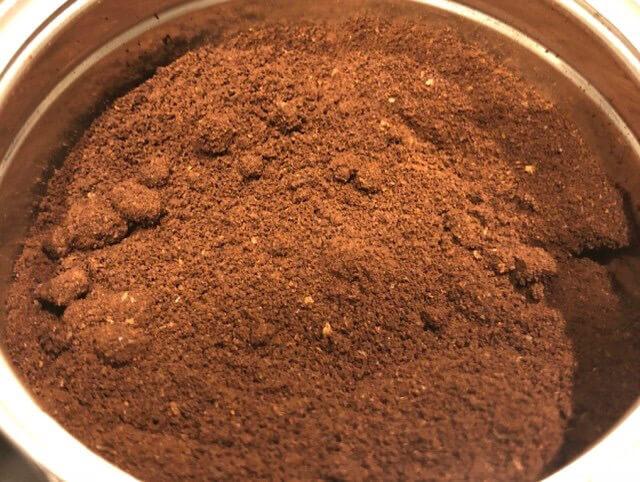 詰め替えカプセルにはコーヒー豆の粒度が細かい方が良いとのこと