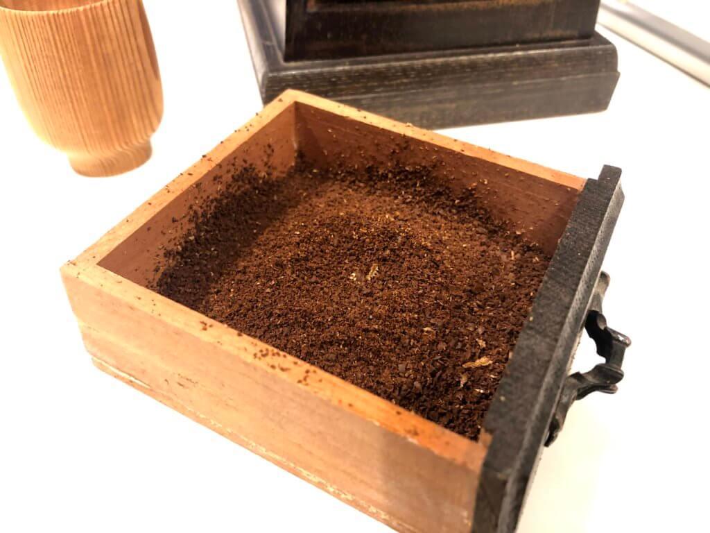 ボリビアのコーヒー豆を挽いてみた